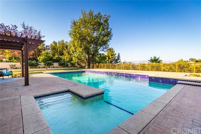 21633 Cezanne Place, Woodland Hills, CA 91364 (#SR20245142) :: American Real Estate List & Sell