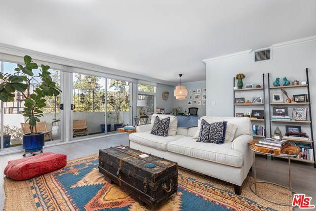 511 San Vicente Boulevard #104, Santa Monica, CA 90402 (#20661374) :: Powerhouse Real Estate