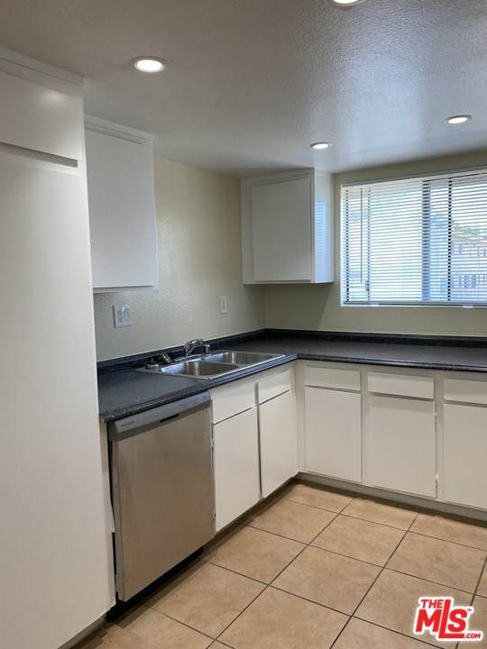 8801 Willis Avenue #59, Panorama City, CA 91402 (#20663078) :: Rogers Realty Group/Berkshire Hathaway HomeServices California Properties