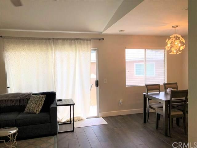 2556 Avenida Del Vista R202, Corona, CA 92882 (#SW20245233) :: Crudo & Associates