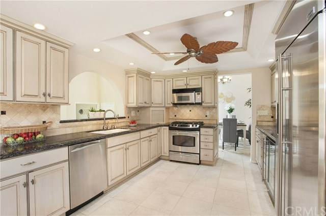 20041 Waterford Lane, Huntington Beach, CA 92646 (#OC20245717) :: Z Team OC Real Estate