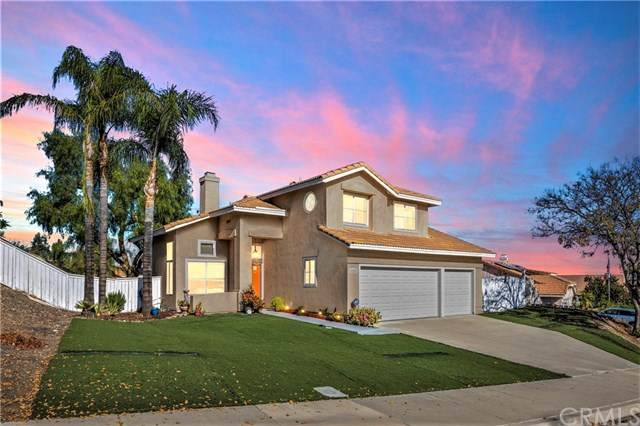 15252 Windjammer Way, Lake Elsinore, CA 92530 (#SW20245940) :: The DeBonis Team