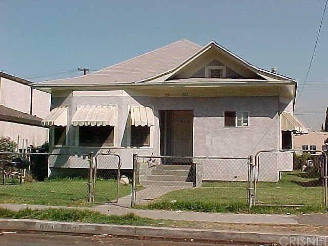 901 E 42nd Street, Los Angeles (City), CA 90011 (#SR20246054) :: Zutila, Inc.