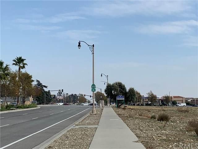 16813 Baseline Avenue, Fontana, CA 92336 (#CV20246052) :: Zutila, Inc.