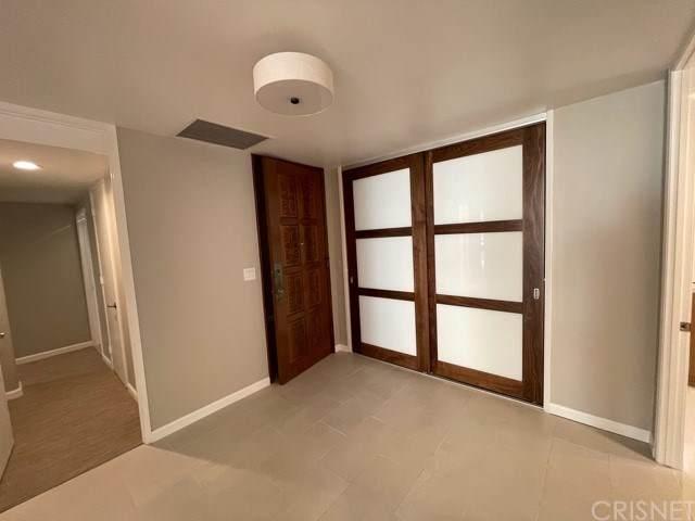 318 N Maple Drive #302, Beverly Hills, CA 90210 (#SR20246260) :: Powerhouse Real Estate