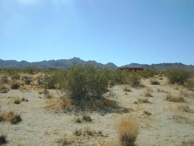 0 Sun View Ave, Joshua Tree, CA 92252 (#219053628PS) :: Powerhouse Real Estate