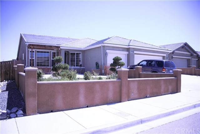 15857 Rough Rider Place, Victorville, CA 92394 (#PW20246487) :: Realty ONE Group Empire