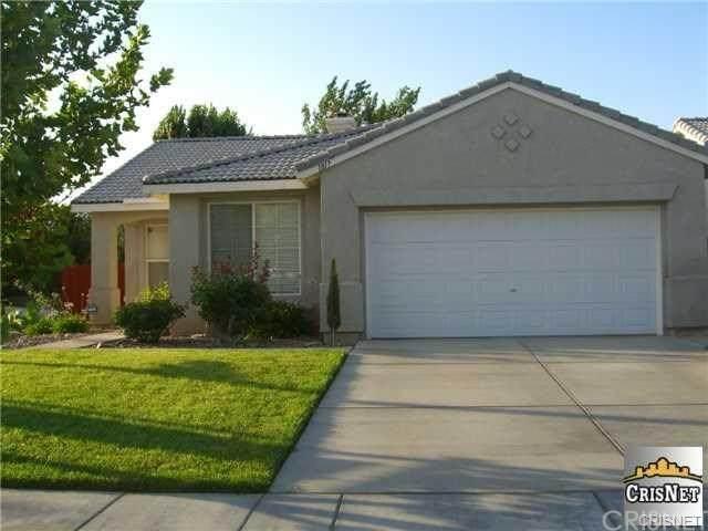 1817 W Holguin Street, Lancaster, CA 93534 (#SR20246727) :: Z Team OC Real Estate