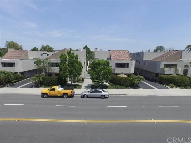 12558 Montecito Road #1, Seal Beach, CA 90740 (#PW20246764) :: Compass