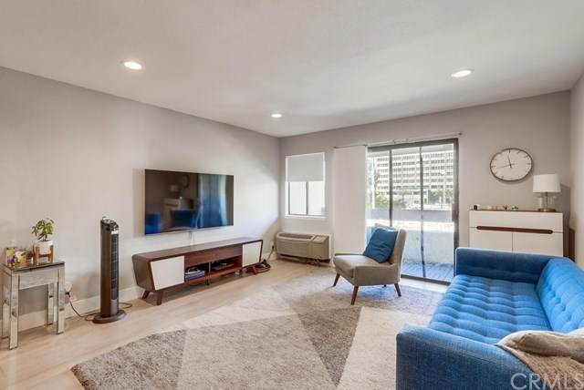 600 W 3rd Street B307, Santa Ana, CA 92701 (#RS20246941) :: Compass