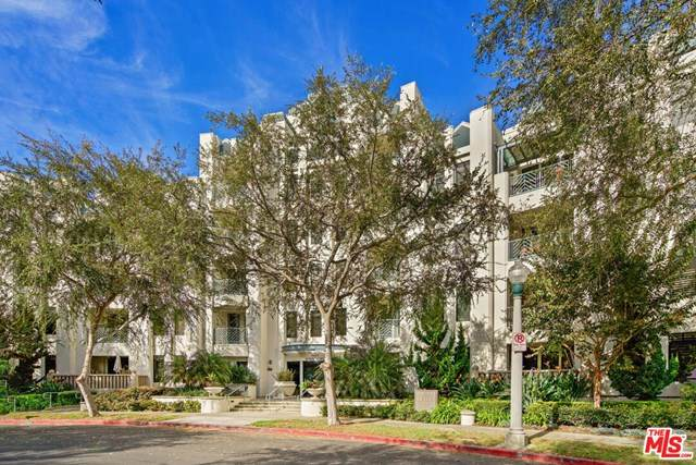 5625 Crescent Park #327, Playa Vista, CA 90094 (#20663682) :: Team Tami
