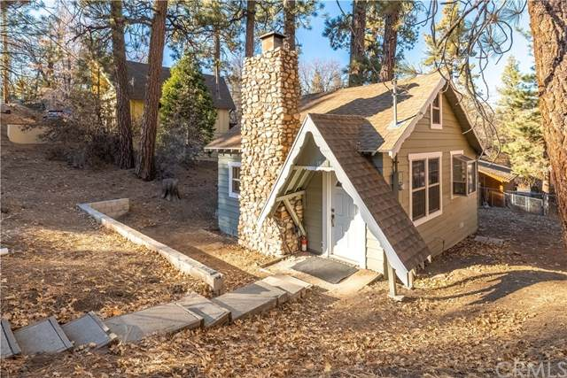 1080 Villa Grove Avenue, Big Bear, CA 92314 (#EV20243939) :: Bathurst Coastal Properties