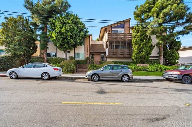25925 Oak Street #104, Lomita, CA 90717 (#SR20246939) :: Steele Canyon Realty