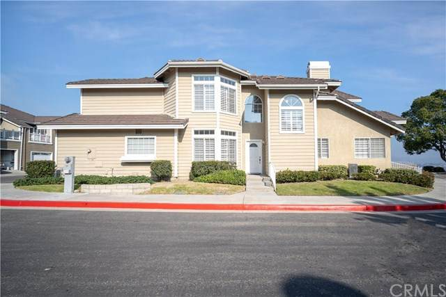 736 S Crown Pointe Dr, Anaheim Hills, CA 92807 (#PW20247595) :: Necol Realty Group