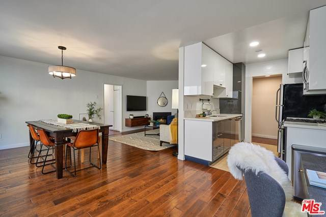 2141 S Bentley Avenue #103, Los Angeles (City), CA 90025 (#20664512) :: Rogers Realty Group/Berkshire Hathaway HomeServices California Properties