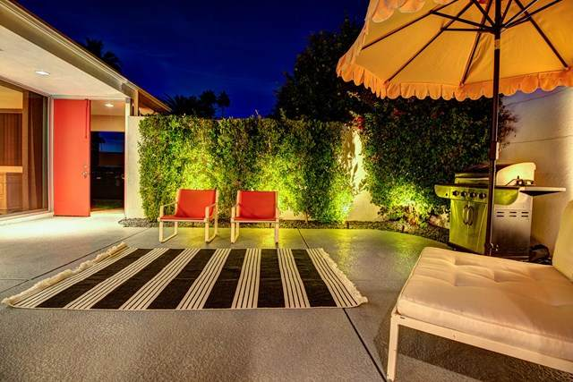 351 Westlake Terrace, Palm Springs, CA 92264 (#219053783PS) :: The Laffins Real Estate Team