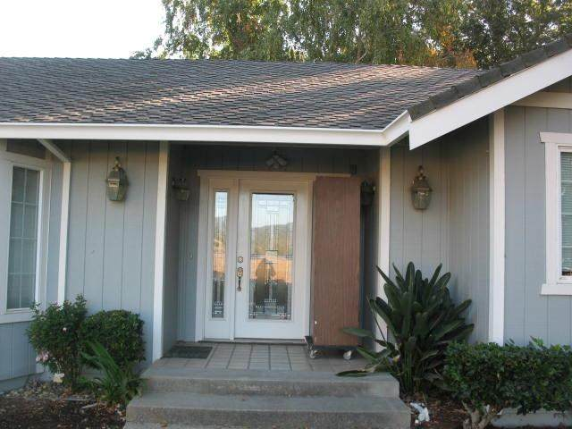 9260 Linda Vista Lane, Gilroy, CA 95020 (#ML81821676) :: Steele Canyon Realty