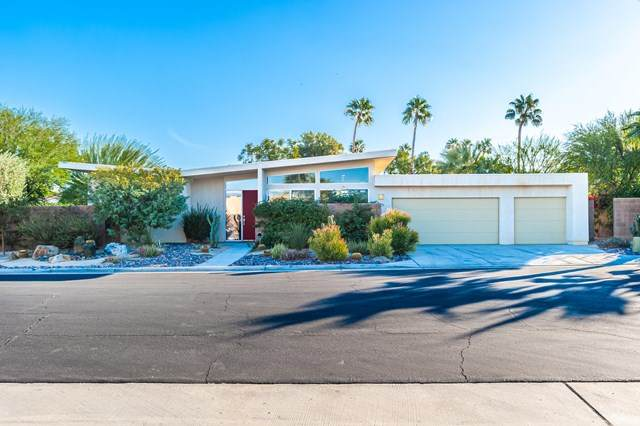 2711 N Whitewater Club Drive, Palm Springs, CA 92262 (#219053802PS) :: Team Tami
