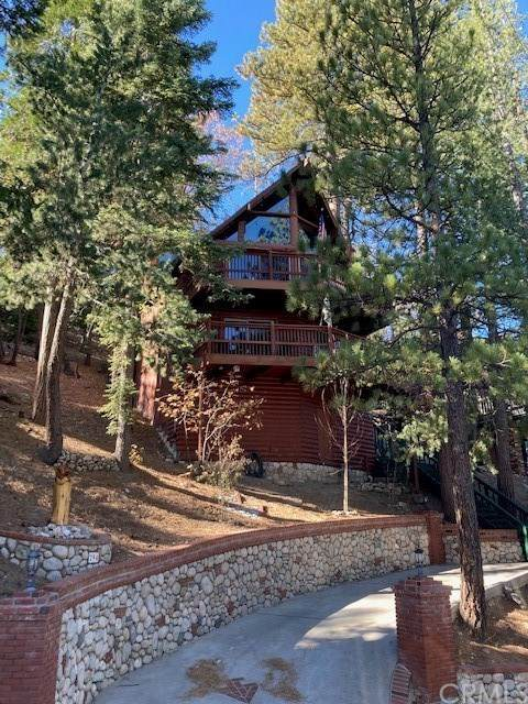 294 Grizzly Road, Lake Arrowhead, CA 92352 (#EV20248896) :: Crudo & Associates