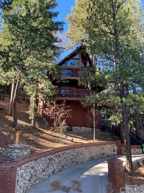 294 Grizzly Road, Lake Arrowhead, CA 92352 (#EV20248896) :: Steele Canyon Realty