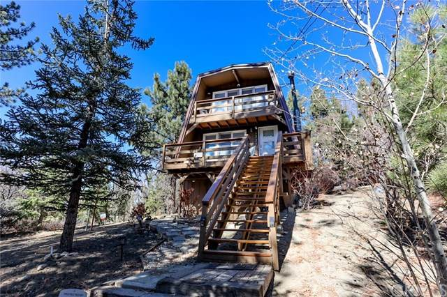 972 Villa Grove Avenue, Big Bear, CA 92314 (#EV20248899) :: Bathurst Coastal Properties