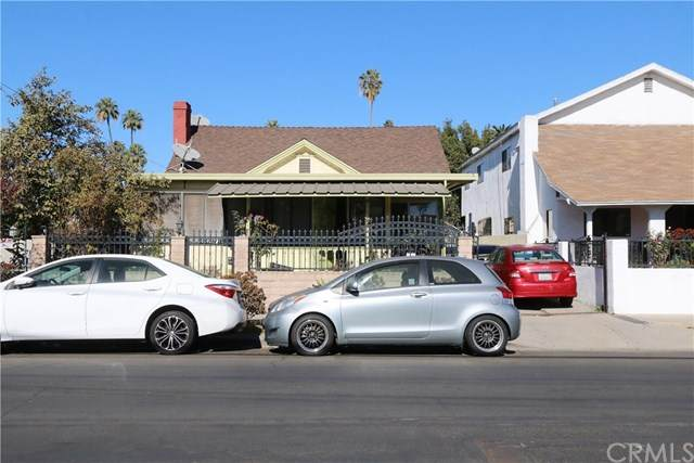 4421 Oakwood Avenue - Photo 1