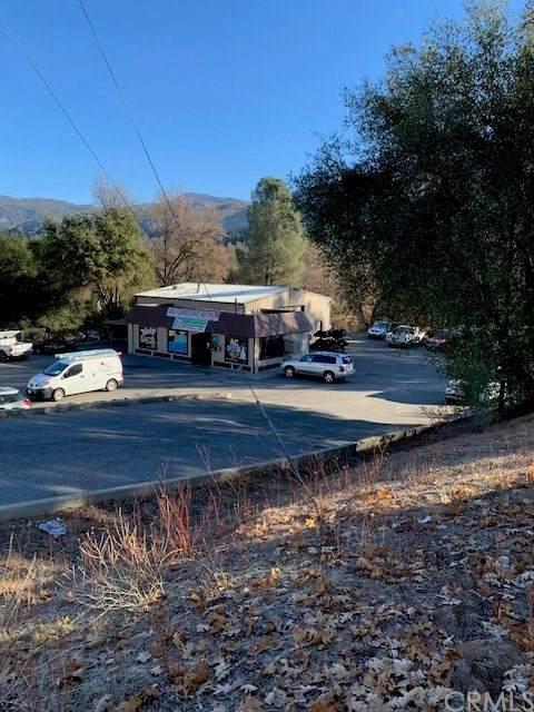 41011 Highway 41, Oakhurst, CA 93644 (#FR20249265) :: The Alvarado Brothers