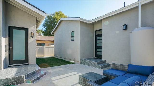 15122 La Maida Street, Sherman Oaks, CA 91403 (#CV20249447) :: Crudo & Associates