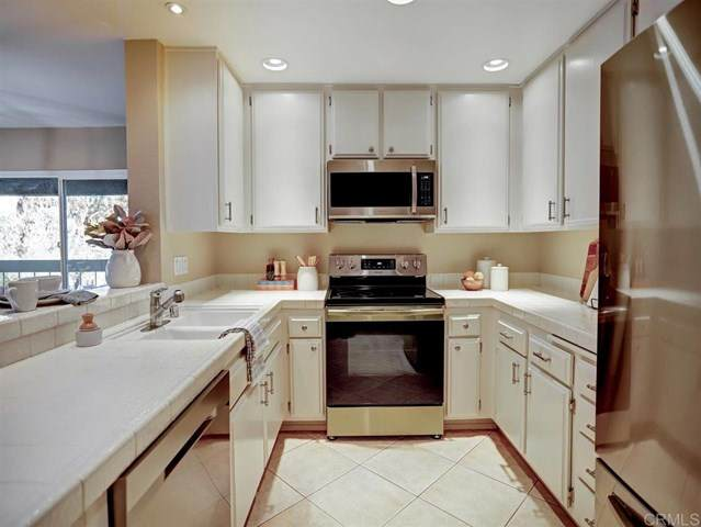 10400 Caminito Cuervo #251, San Diego, CA 92108 (#NDP2003116) :: American Real Estate List & Sell