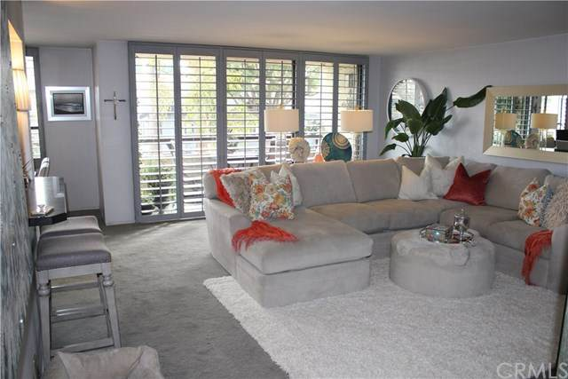 225 Hermosa Avenue #102, Long Beach, CA 90802 (#OC20249483) :: RE/MAX Masters
