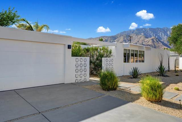 1077 E Francis Drive, Palm Springs, CA 92262 (#219053888PS) :: Team Tami