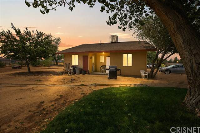 42706 3rd Street E, Lancaster, CA 93535 (#SR20249557) :: Mint Real Estate