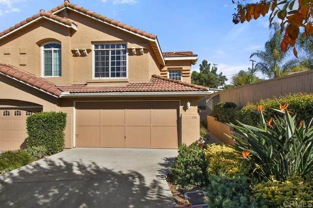 454 Ferrara Way, Vista, CA 92083 (#PTP2001800) :: Team Tami