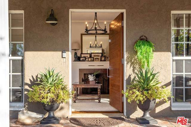 4030 Riverton Avenue, Studio City, CA 91604 (#20665674) :: Steele Canyon Realty