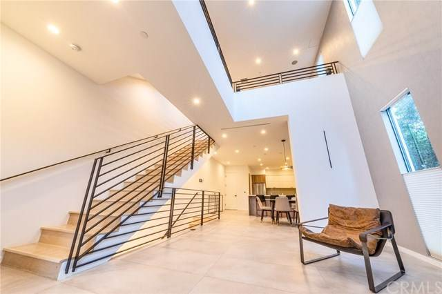 1351 N Gardner Street, Los Angeles (City), CA 90046 (#PW20245769) :: The Marelly Group | Compass