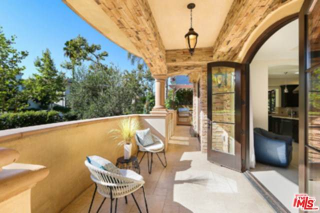 462 S Maple Drive 101A, Beverly Hills, CA 90212 (#20665218) :: The Marelly Group | Compass