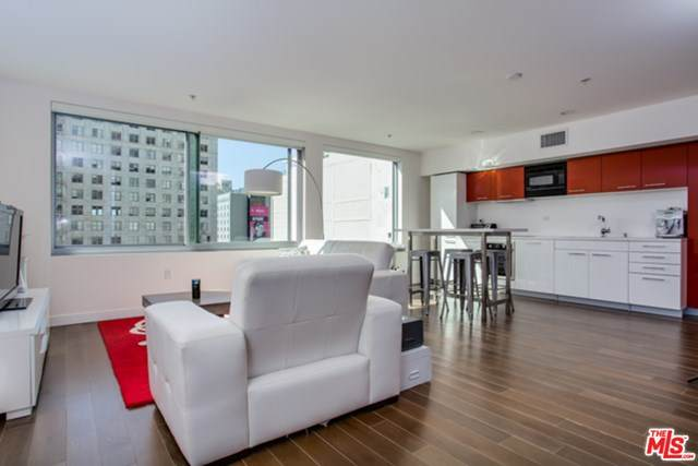 901 S Flower Street #513, Los Angeles (City), CA 90015 (#20666498) :: The Marelly Group | Compass