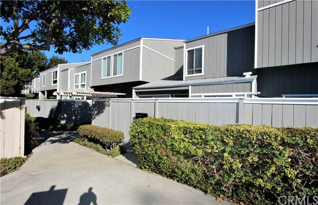 2910 S Greenville Street H, Santa Ana, CA 92704 (#PW20250840) :: Apple Financial Network, Inc.