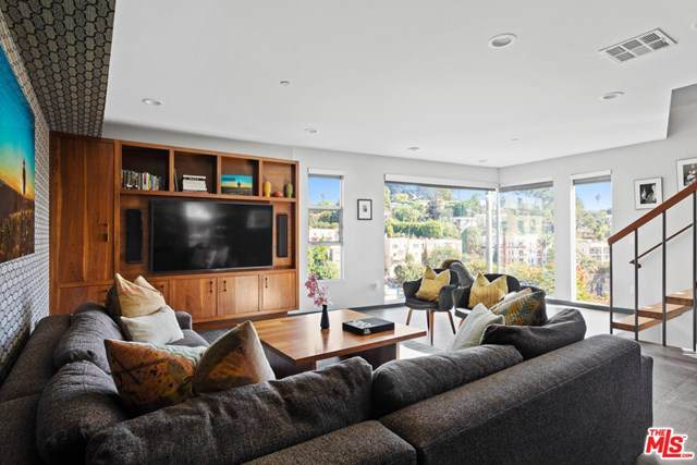 3308 Larissa Drive, Los Angeles (City), CA 90026 (#20665100) :: Rogers Realty Group/Berkshire Hathaway HomeServices California Properties