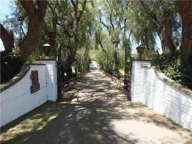 11550 Old Castle Road, Valley Center, CA 92082 (#NDP2003219) :: Bathurst Coastal Properties