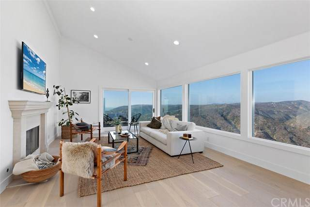 1455 Skyline Drive, Laguna Beach, CA 92651 (#LG20251403) :: Crudo & Associates