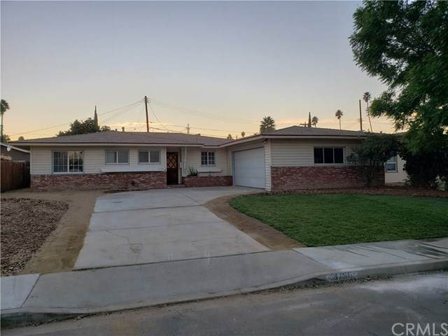 3750 Castle Oak Drive, Riverside, CA 92505 (#IV20251051) :: American Real Estate List & Sell