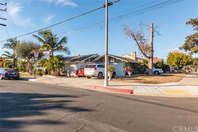 1603 Bay View Avenue, Wilmington, CA 90744 (#DW20250488) :: Wendy Rich-Soto and Associates