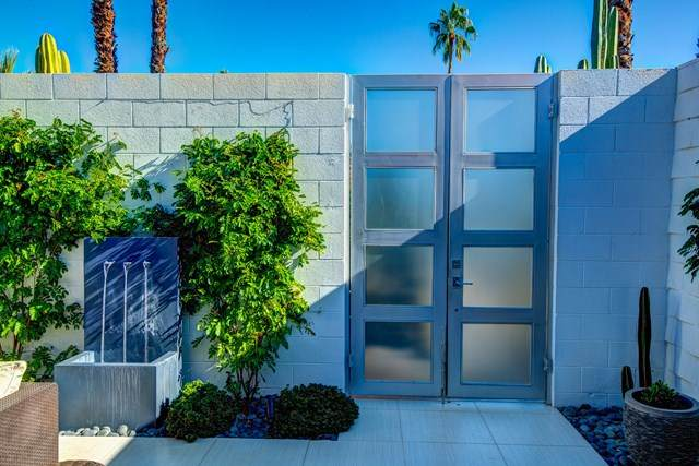 306 Desert Lakes Drive, Palm Springs, CA 92264 (#219054092PS) :: Wendy Rich-Soto and Associates