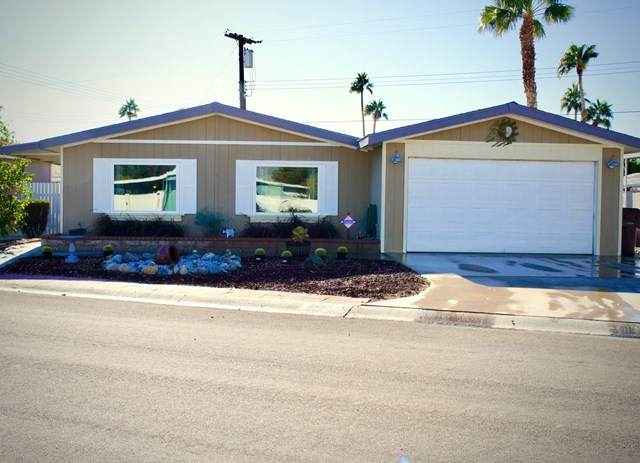 32875 St Andrews Drive, Thousand Palms, CA 92276 (#219054183PS) :: Re/Max Top Producers