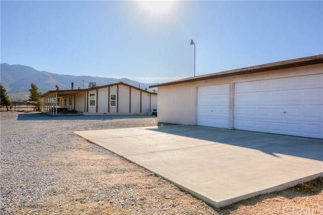11078 High Road, Lucerne Valley, CA 92356 (#PW20256089) :: Re/Max Top Producers