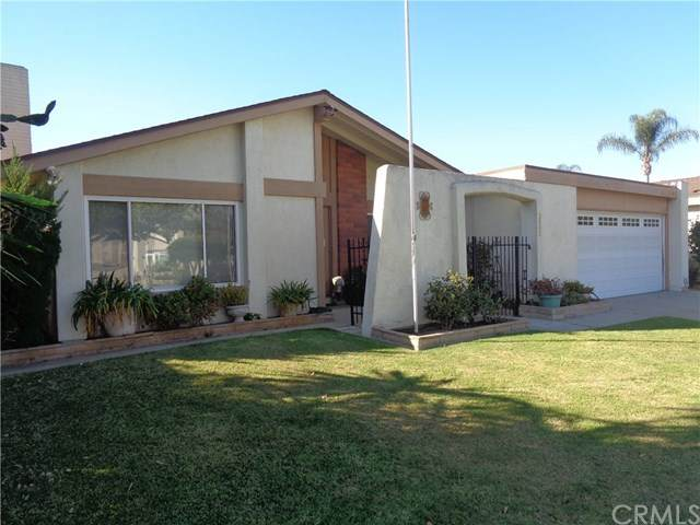 2802 Olive Lane, Santa Ana, CA 92706 (#PW20256615) :: Better Living SoCal