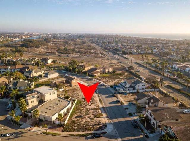 940 Dunes Street, Oxnard, CA 93035 (#V1-3108) :: The Alvarado Brothers