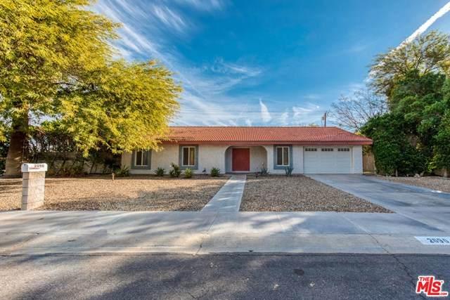 2090 N Whitewater Club Drive, Palm Springs, CA 92262 (#20672390) :: The DeBonis Team