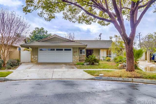 1536 W Laster Avenue, Anaheim, CA 92802 (#PW20261733) :: Team Tami